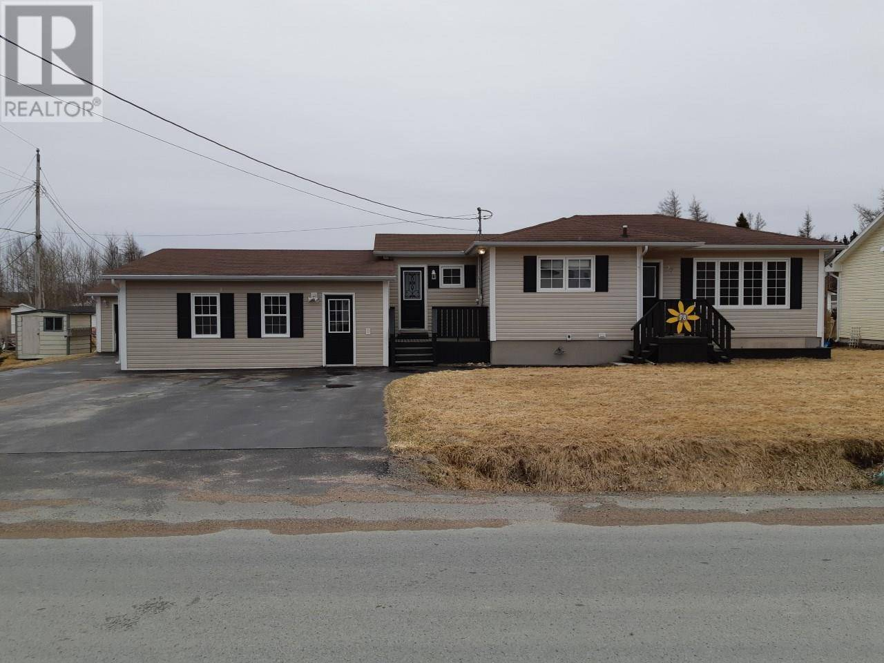 House for sale at 28 Church Rd Gambo Newfoundland - MLS: 1207762