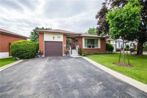 House for sale at 28 Deerfield Cres Brampton Ontario - MLS: W4894853