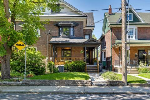 Townhouse for sale at 28 Dewson St Toronto Ontario - MLS: C4482646
