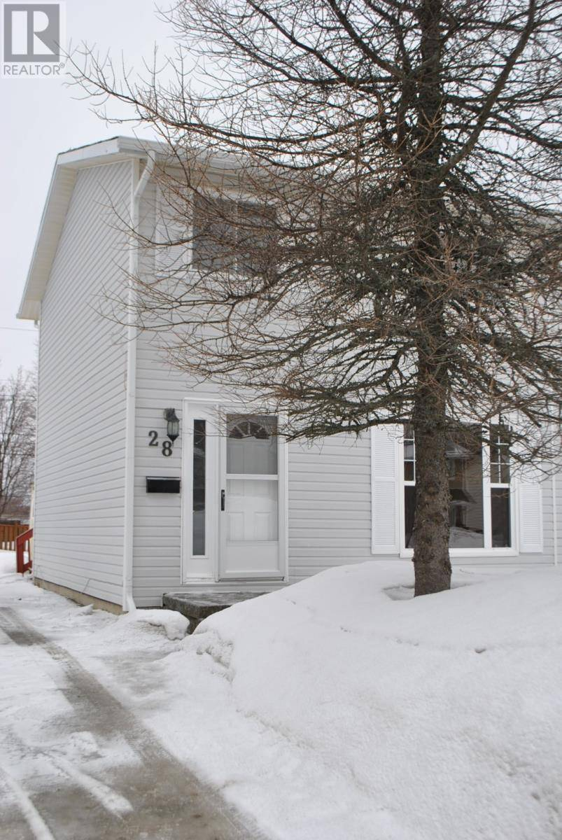 House for sale at 28 Elizabeth Dr Gander Newfoundland - MLS: 1191046