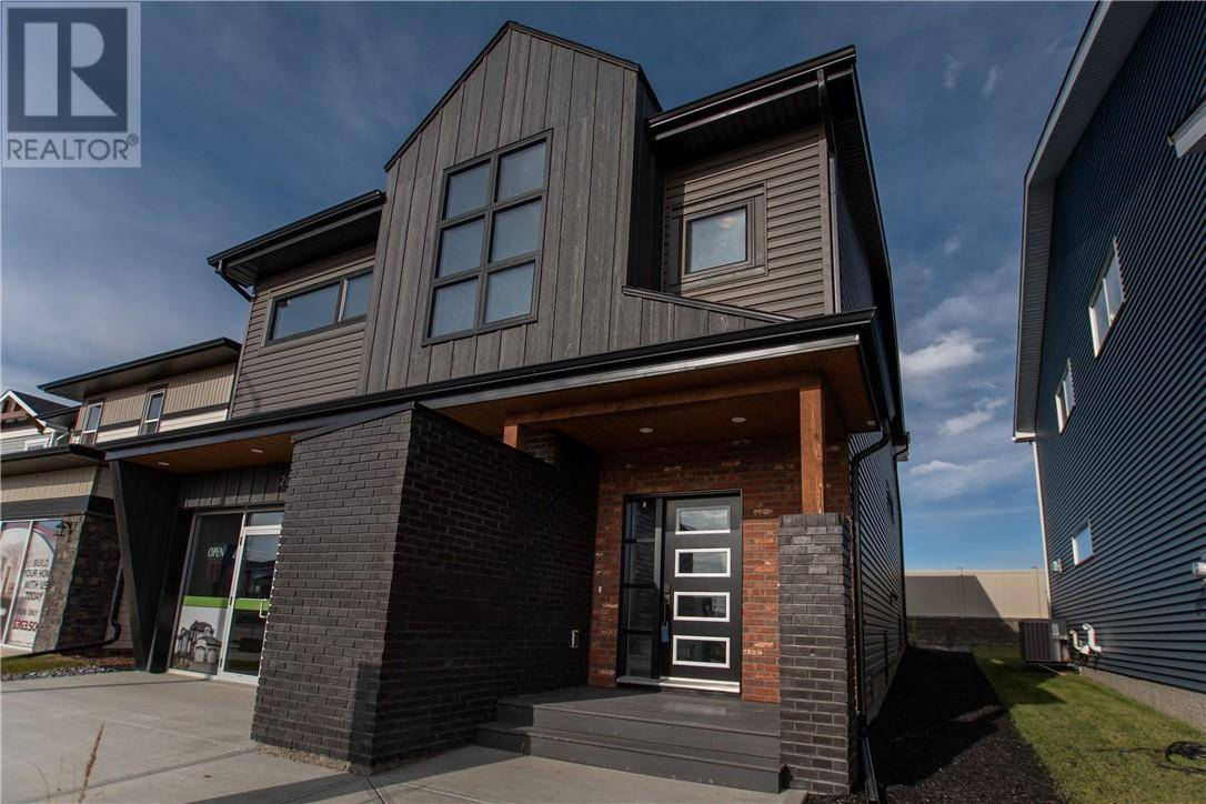 House for sale at 28 Ellington Cres Red Deer Alberta - MLS: ca0186658