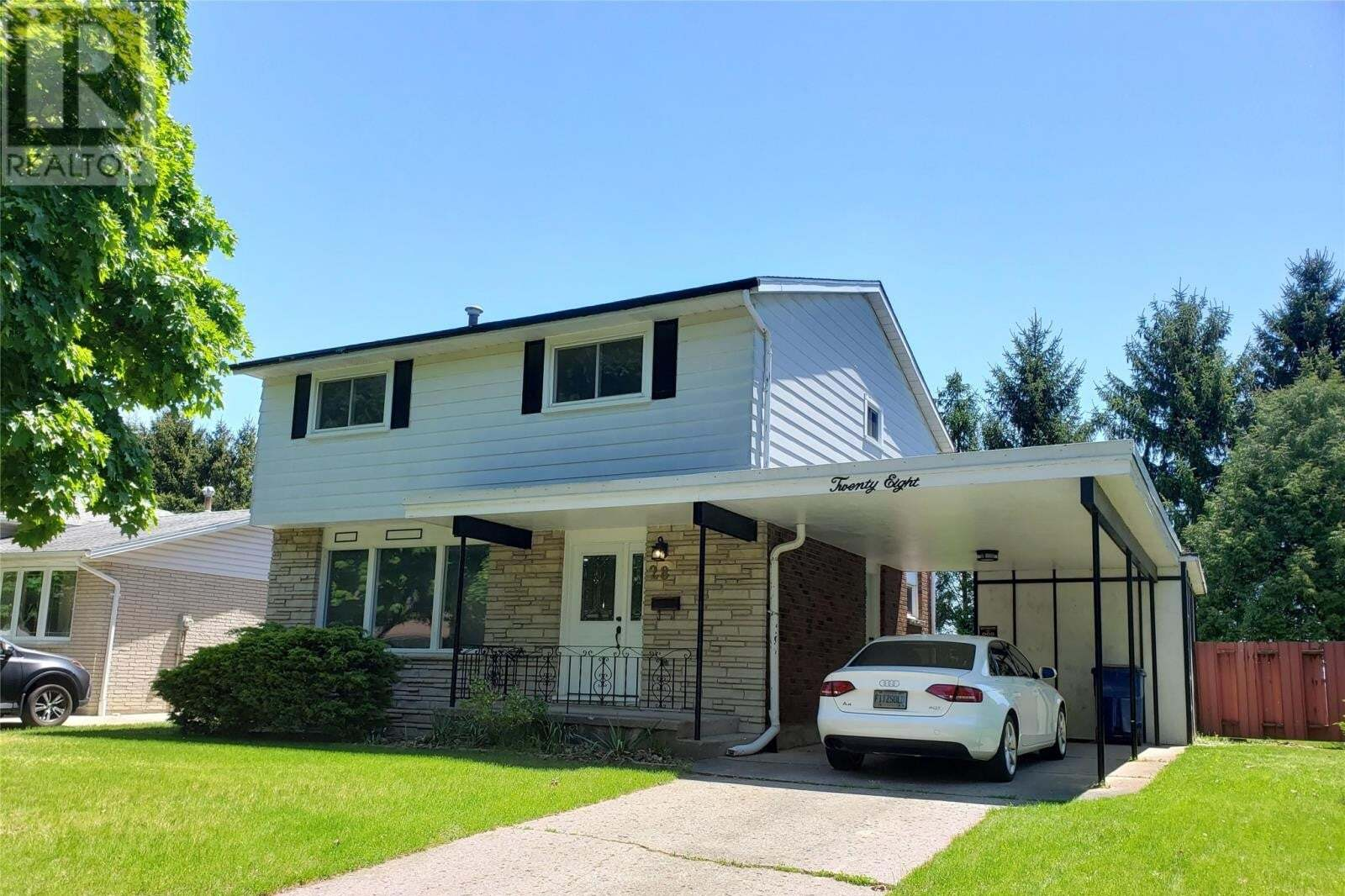 House for sale at 28 Finch Ave  Chatham Ontario - MLS: 20005825
