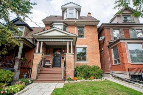 House for sale at 28 Geoffrey St Toronto Ontario - MLS: W4927525