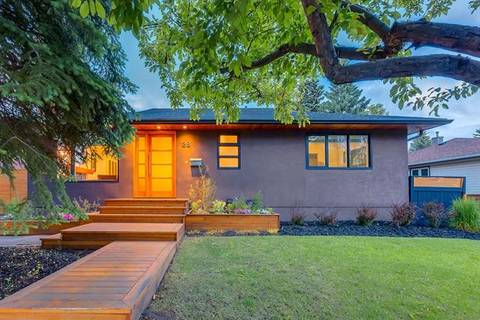House for sale at 28 Glamorgan Dr Southwest Calgary Alberta - MLS: C4294490