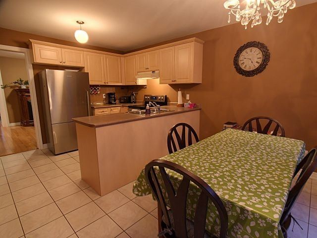 For Sale 28 Griffith Drive Grimsby ON
