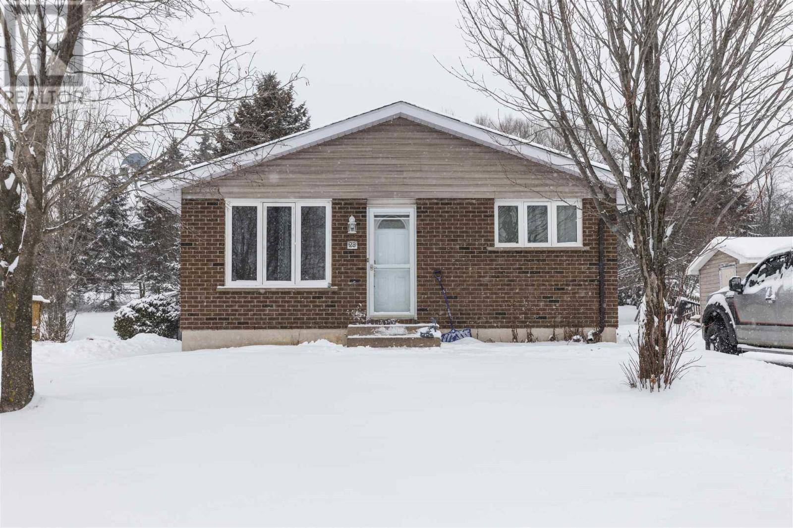 House for sale at 28 Hillside Dr Sault Ste. Marie Ontario - MLS: SM127597