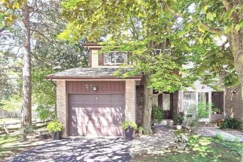 Townhouse for sale at 28 Hollyberry Tr Toronto Ontario - MLS: C4884093