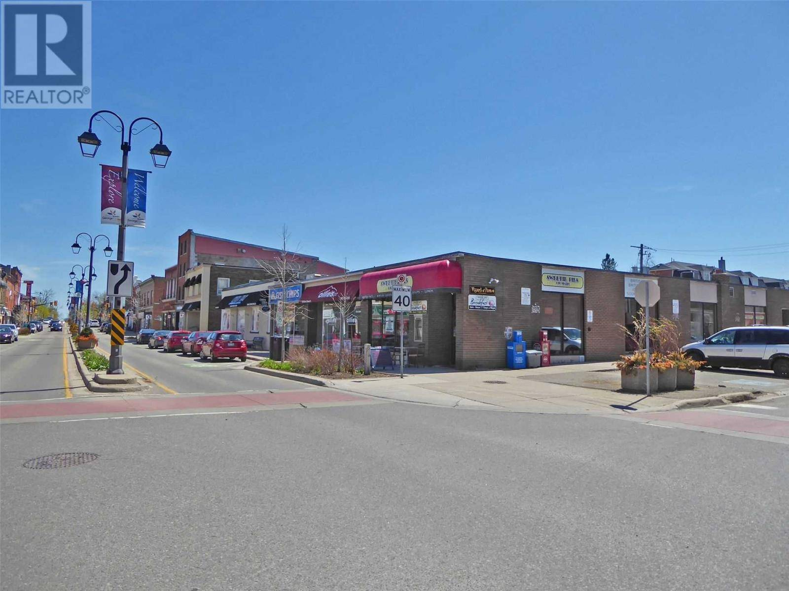 Commercial property for lease at 28 Main St South Halton Hills Ontario - MLS: W4742806