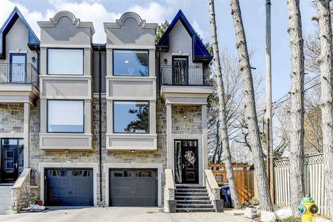 Townhouse for sale at 28 Matthew Ct Toronto Ontario - MLS: W4398475