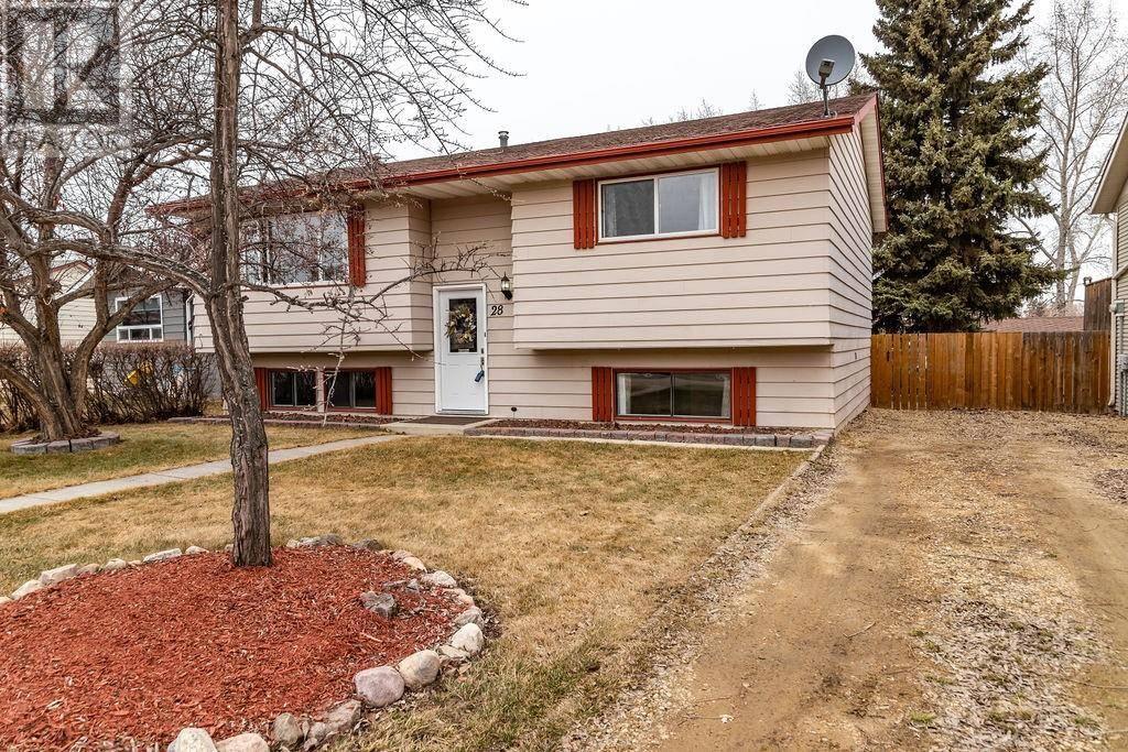 House for sale at 28 Meadowview Cs Sylvan Lake Alberta - MLS: ca0171951
