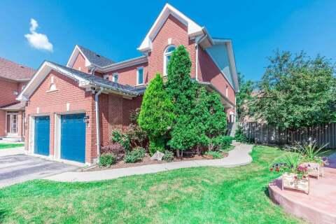 Townhouse for sale at 28 Pressed Brick Dr Brampton Ontario - MLS: W4863026