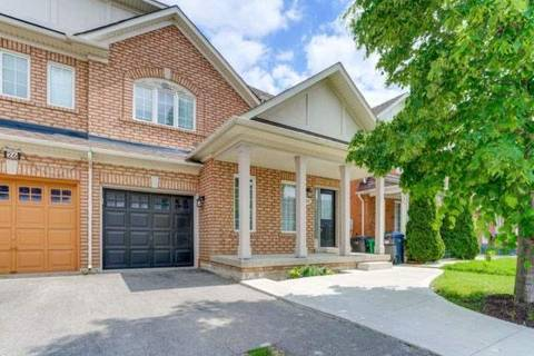 Townhouse for sale at 28 Saintsbury Cres Brampton Ontario - MLS: W4491296