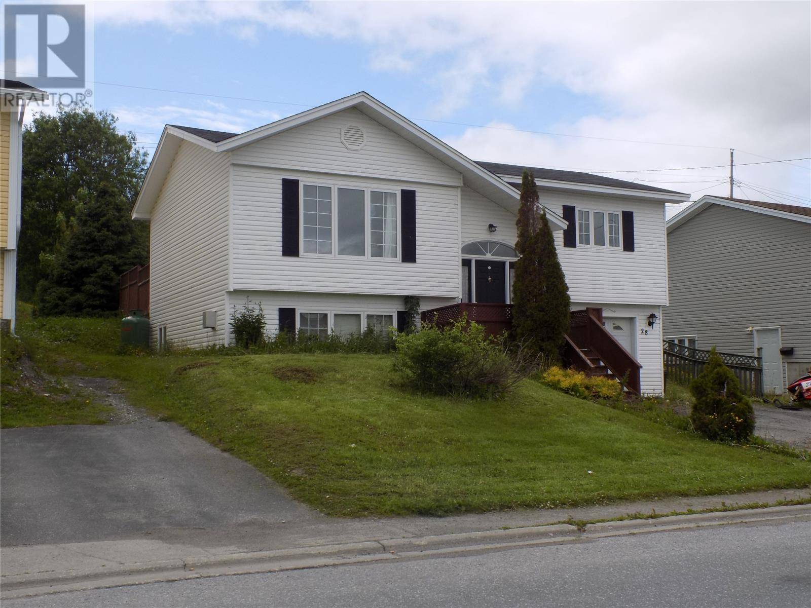 House for sale at 28 Shamrock Cres Corner  Brook Newfoundland - MLS: 1199210