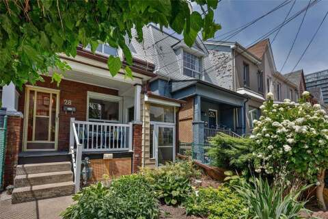 Townhouse for sale at 28 Tecumseth St Toronto Ontario - MLS: C4820303