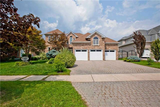 Removed: 28 Thomson Creek Boulevard, Vaughan, ON - Removed on 2018-09-27 05:18:42