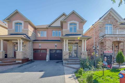Townhouse for sale at 28 Versailles Cres Brampton Ontario - MLS: W4607511