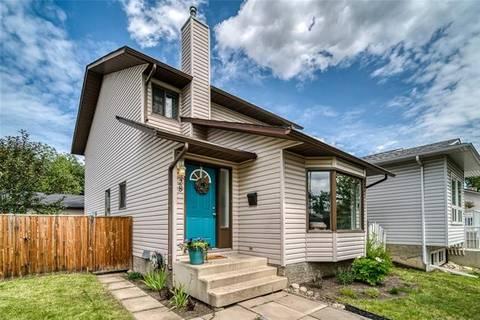 House for sale at 28 Woodglen Ri Southwest Calgary Alberta - MLS: C4257945