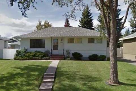 House for sale at 2803 43 St SW Calgary Alberta - MLS: C4305385