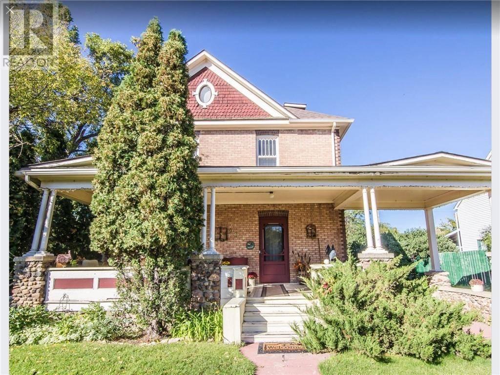 House for sale at 281 2 St Drumheller Alberta - MLS: sc0190060