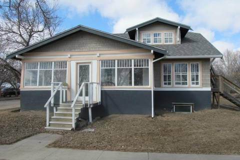 Residential property for sale at 281 3rd Ave W Shaunavon Saskatchewan - MLS: SK796950