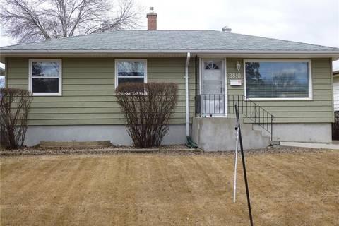 House for sale at 2810 Harvey St Regina Saskatchewan - MLS: SK797303