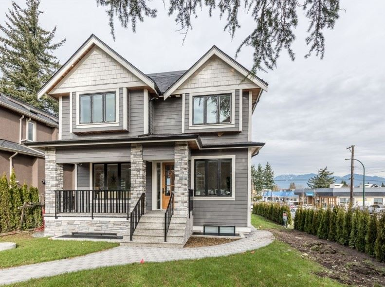For Sale: 2811 Oliver Crescent, Vancouver, BC | 9 Bed, 8 Bath House for $4,388,000. See 20 photos!