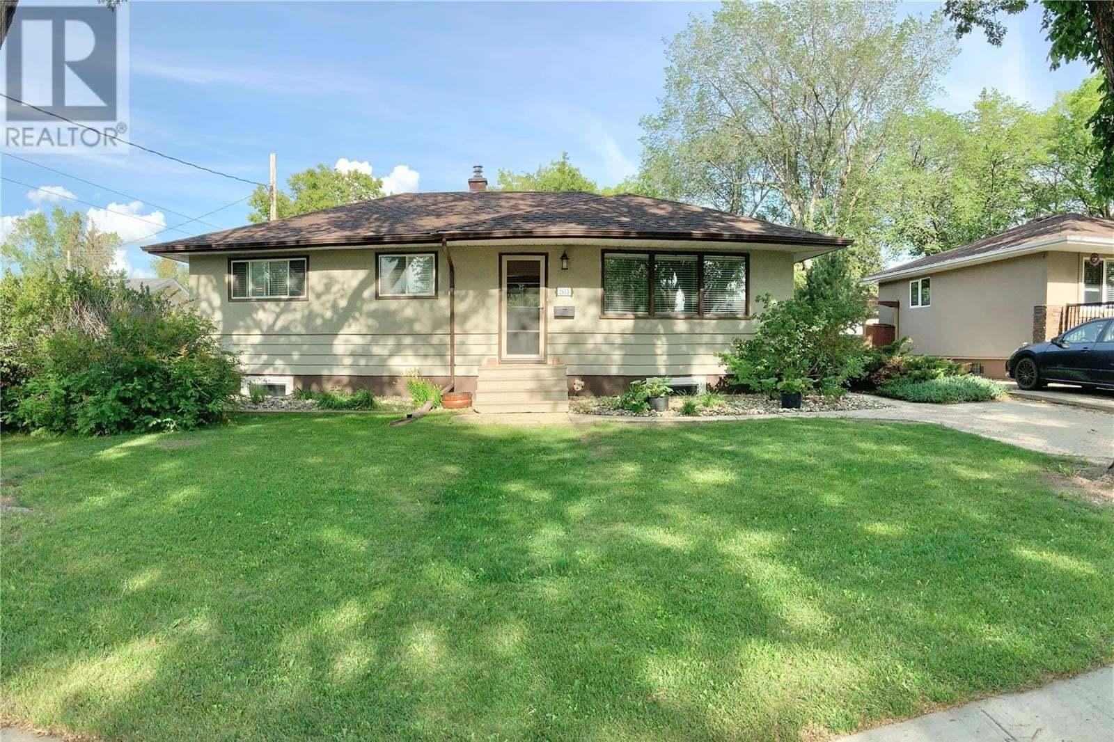 House for sale at 2813 Wascana St Regina Saskatchewan - MLS: SK827679