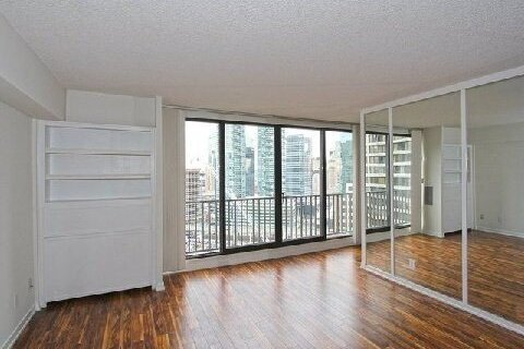 Apartment for rent at 33 Harbour Sq Unit 2815 Toronto Ontario - MLS: C5055917