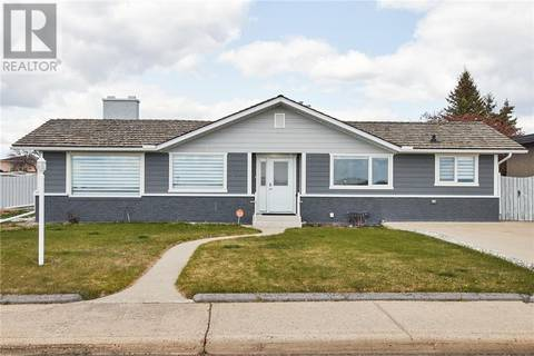 House for sale at 282 Mccutcheon Dr Nw Medicine Hat Alberta - MLS: mh0165616