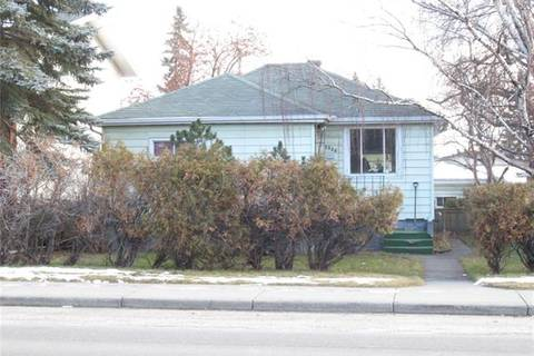 House for sale at 2828 29 St Southwest Calgary Alberta - MLS: C4277986