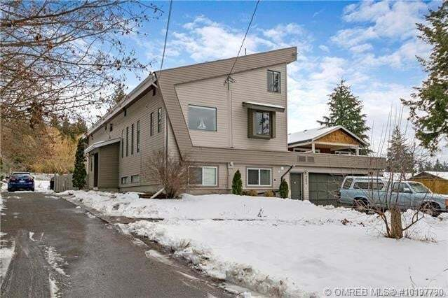 House for sale at 2830 25 St Northeast Salmon Arm British Columbia - MLS: 10197790