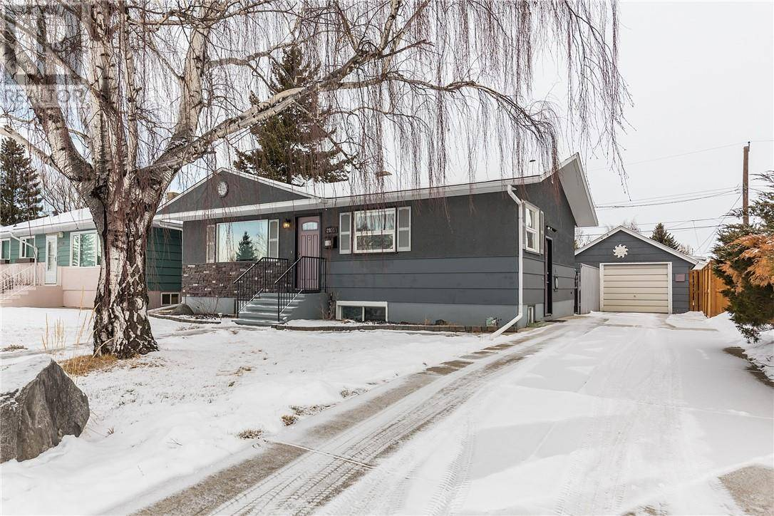 2831 11 Avenue S, Lethbridge | Image 2