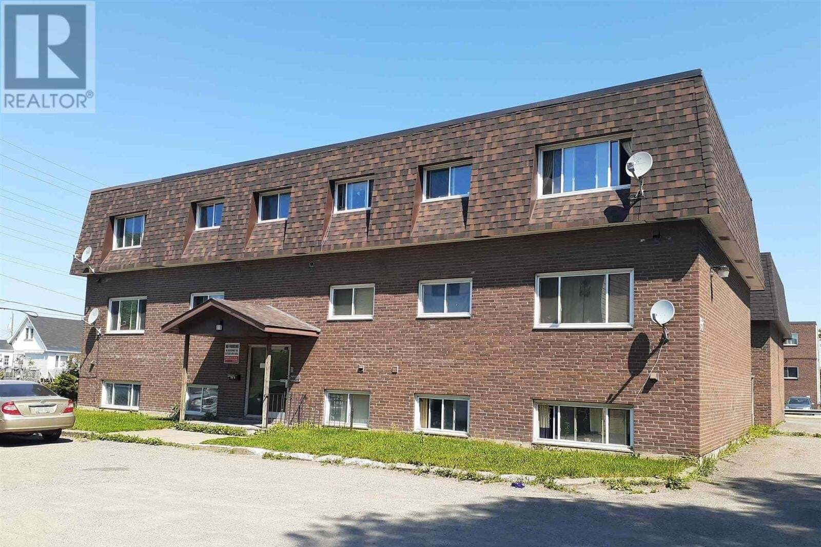 Townhouse for sale at 284 Goulais Ave Sault Ste. Marie Ontario - MLS: SM129089