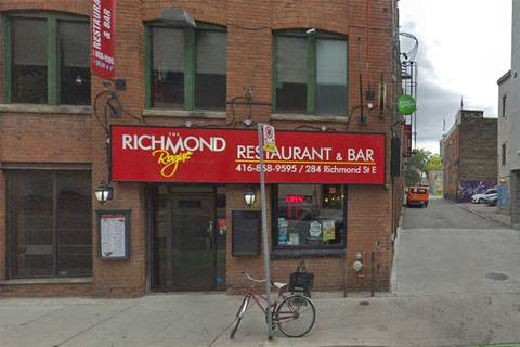 Commercial property for lease at 284 Richmond St Toronto Ontario - MLS: C4529550
