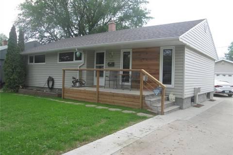 House for sale at 2840 Wascana St Regina Saskatchewan - MLS: SK776767