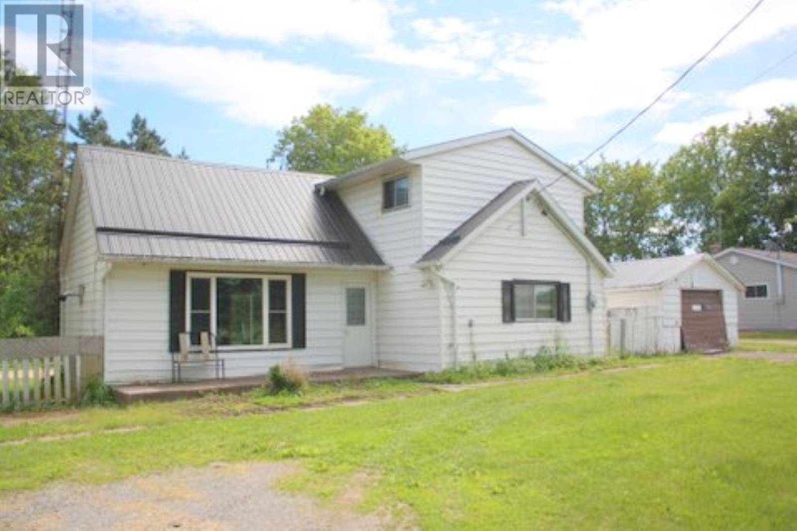 House for sale at 2849 Washburn Rd South Frontenac Ontario - MLS: K19004058