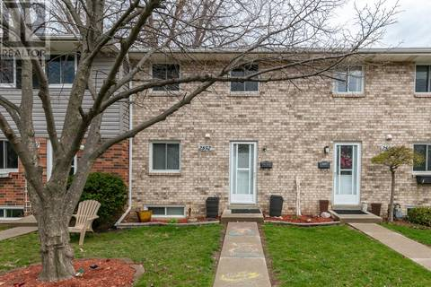 Townhouse for sale at 2852 Meadowbrook Lane  Windsor Ontario - MLS: 19016609