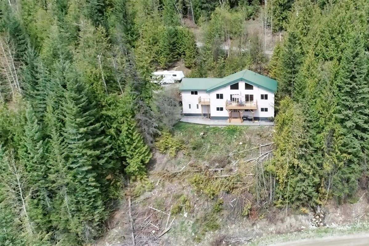 House for sale at 2857 Vickers Tr Anglemont British Columbia - MLS: 10205044