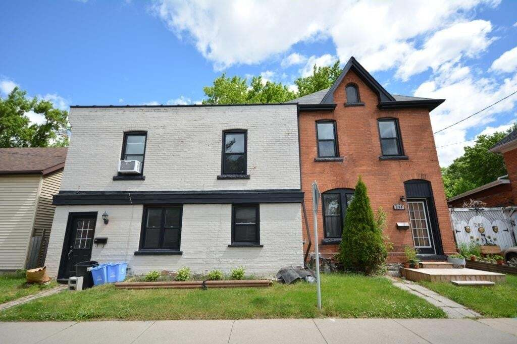 Townhouse for sale at 288 Hunter St W Unit 286 Hamilton Ontario - MLS: H4085521