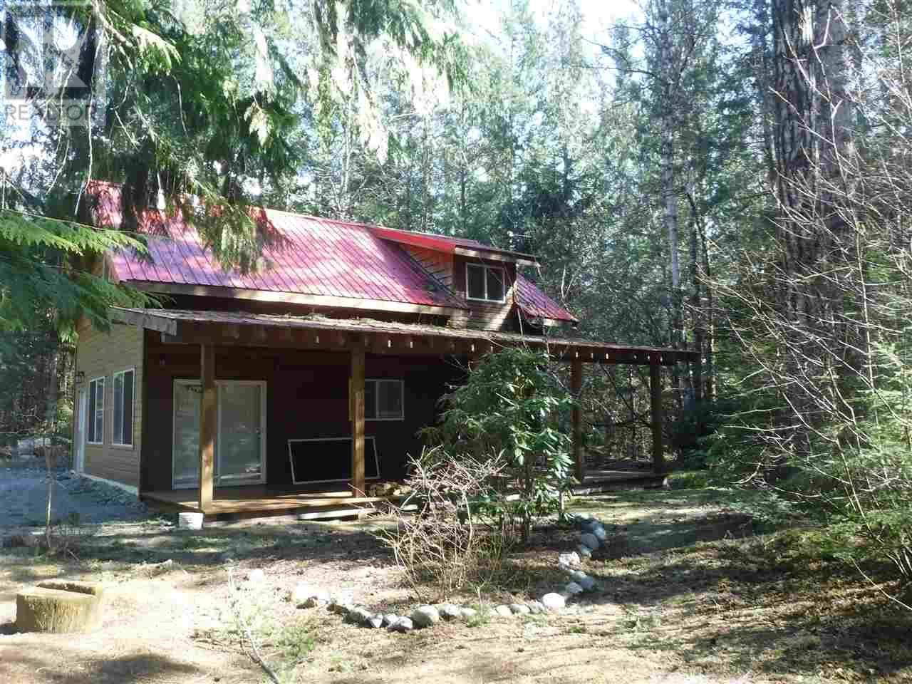 House for sale at 2860 Moon Dr Ne Bella Coola British Columbia - MLS: R2451043