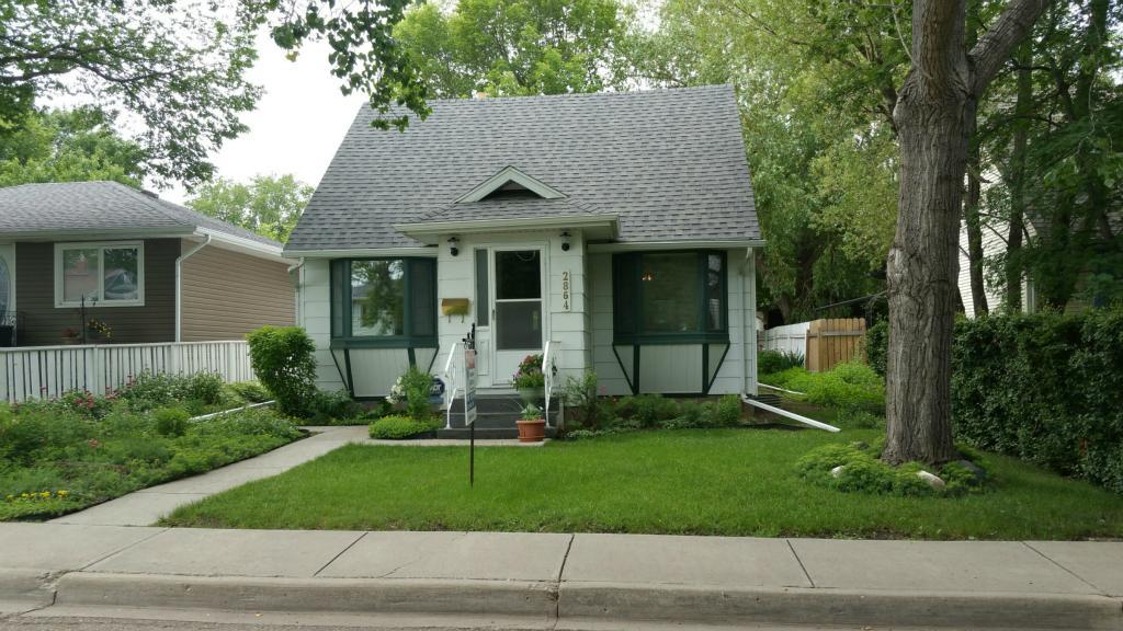 For Sale: 2864 Elphinstone Street, Regina, SK   3 Bed, 1 Bath House for $254,900. See 14 photos!