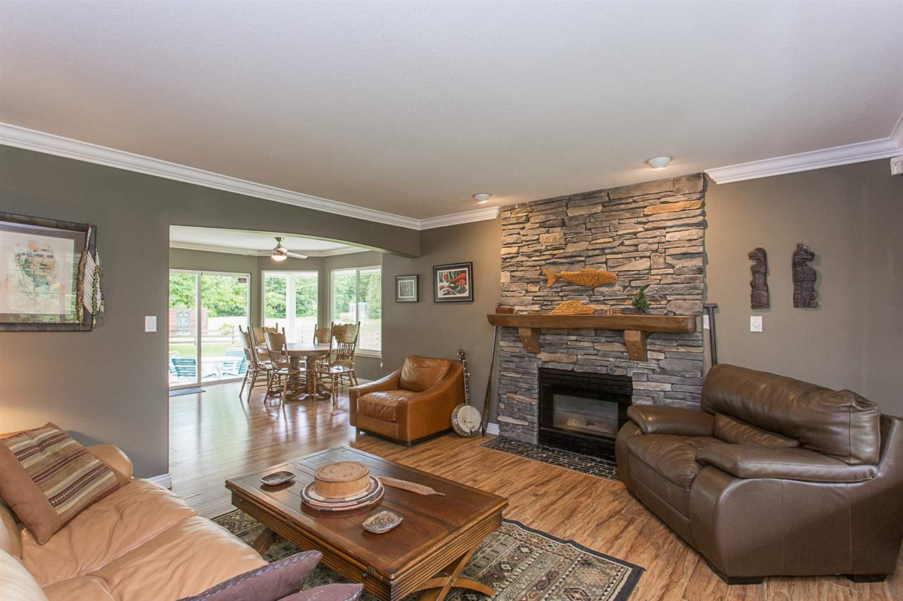 For Sale: 28675 98 Avenue, Maple Ridge, BC | 4 Bed, 3 Bath House for $1,399,000. See 20 photos!