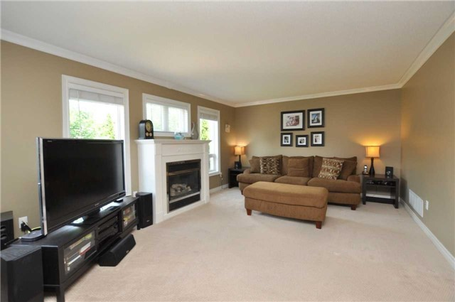 For Sale: 287 Paxton Crescent, Newmarket, ON | 4 Bed, 3 Bath House for $849,850. See 9 photos!