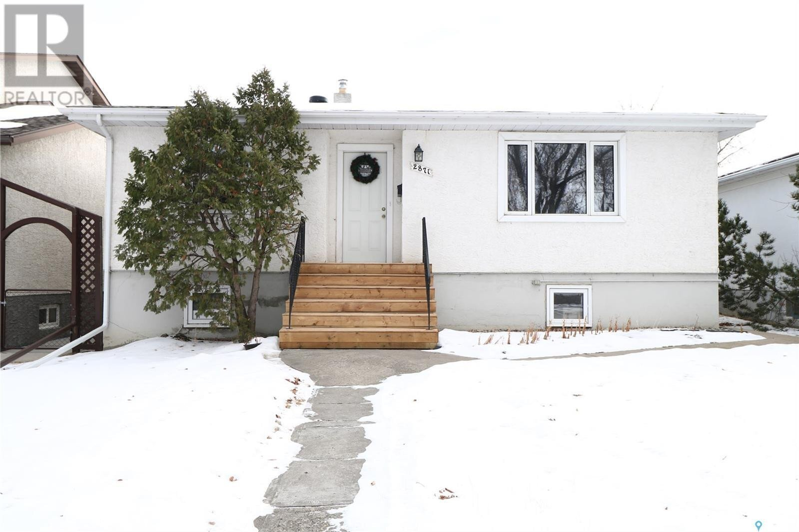 House for sale at 2871 Athol St Regina Saskatchewan - MLS: SK836173