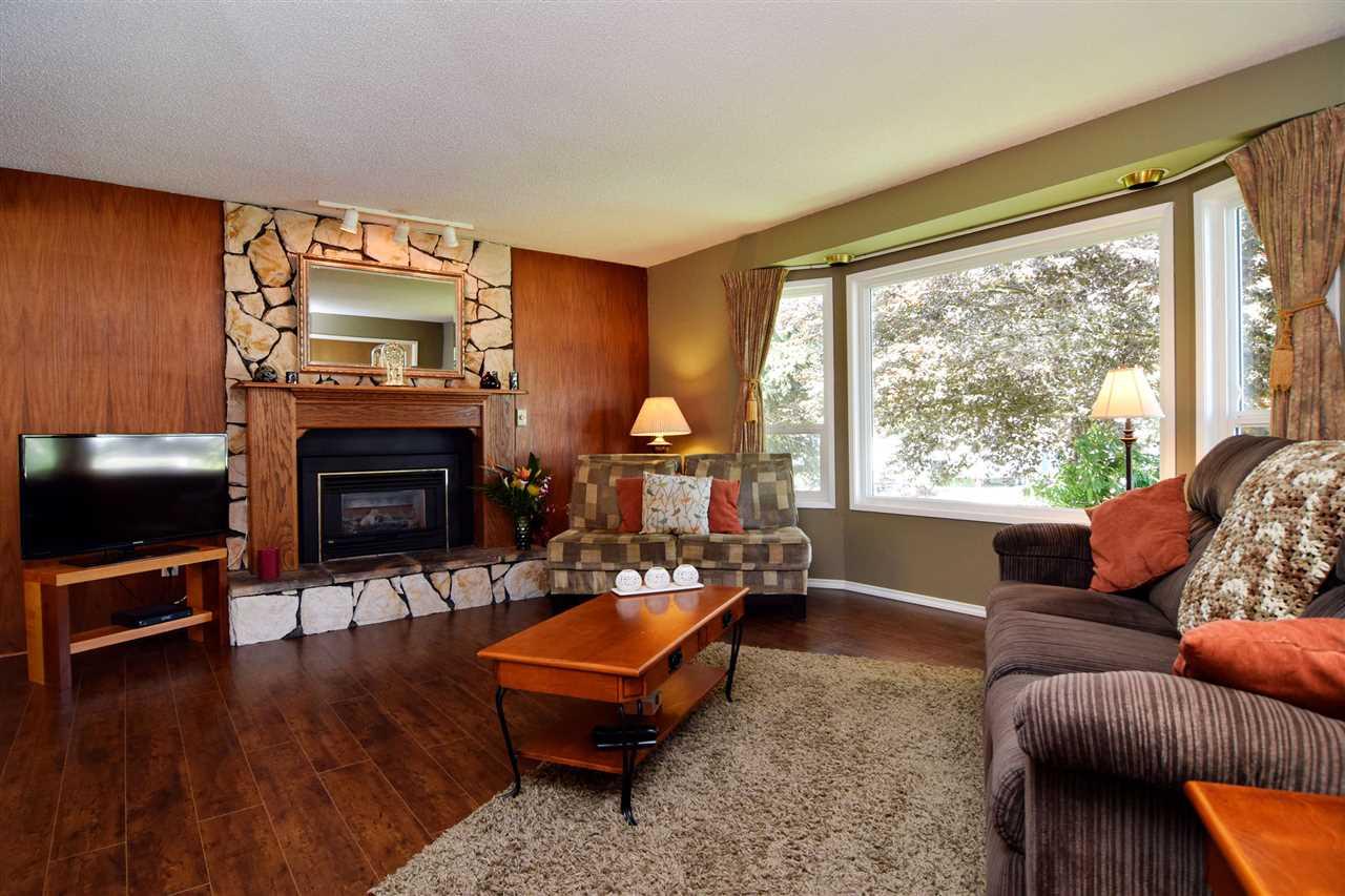 For Sale: 2874 Ash Street, Abbotsford, BC | 3 Bath House for $770,000. See 20 photos!