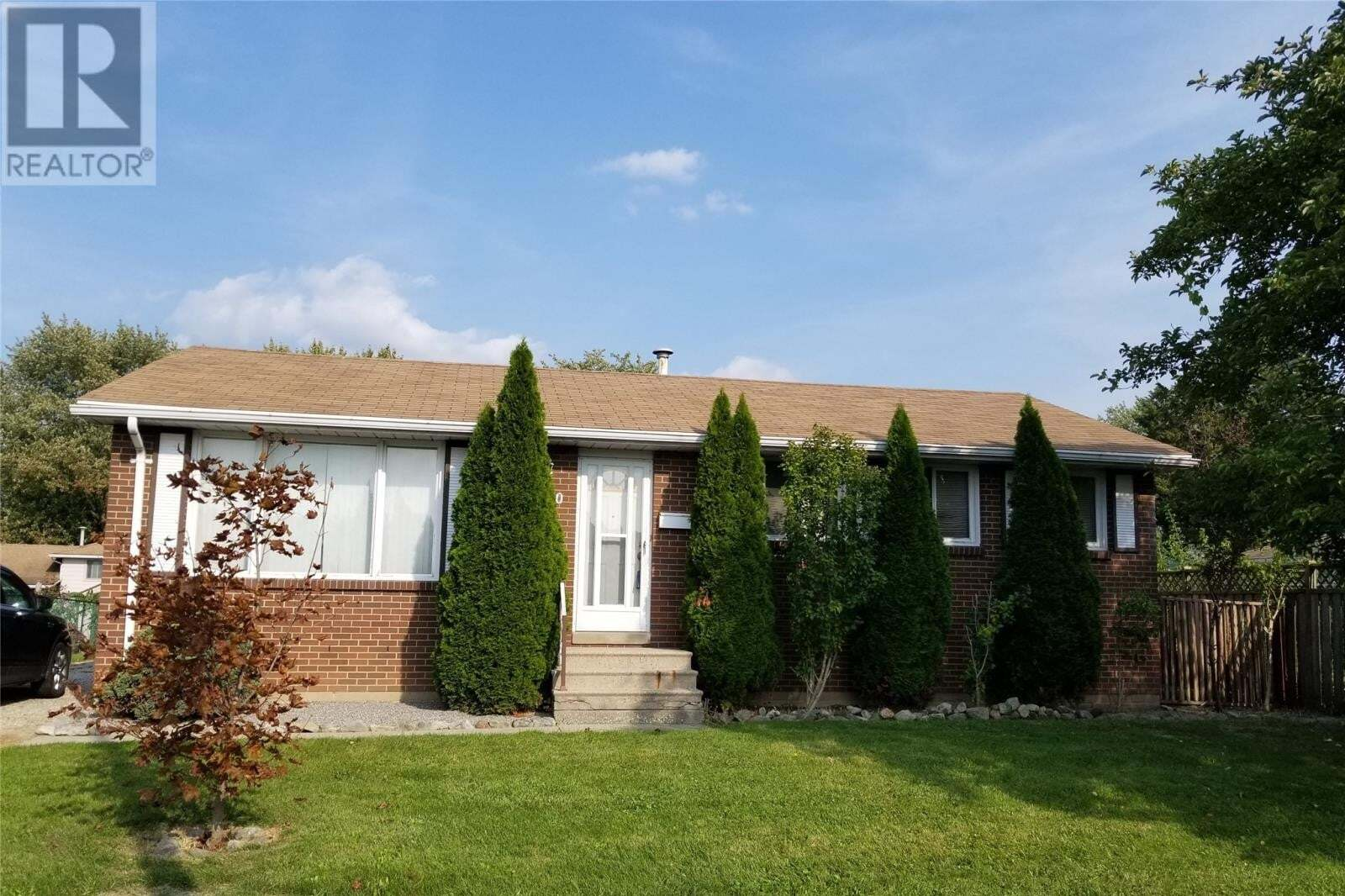House for sale at 2880 Rivard Ave Windsor Ontario - MLS: 20012599