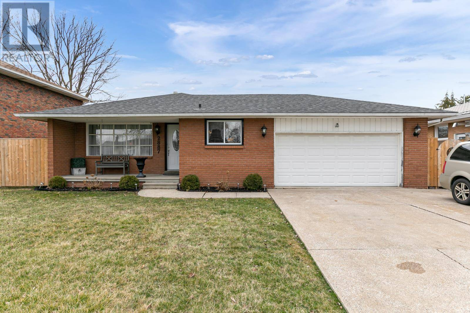 House for sale at 2887 Clemenceau  Windsor Ontario - MLS: 20003703