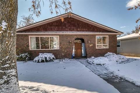 House for sale at 289 Capri Ave Northwest Calgary Alberta - MLS: C4272442