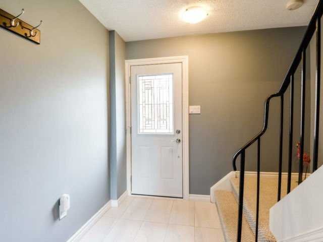 For Sale: 1530 Lancaster Drive, Oakville, ON | 3 Bed, 2 Bath Condo for $550,000. See 20 photos!