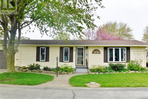 House for sale at 22220 Charing Cross Rd Unit 29 Chatham Ontario - MLS: 19018374